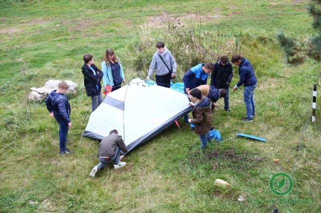 Квест для школьников где они устанавливают палатку