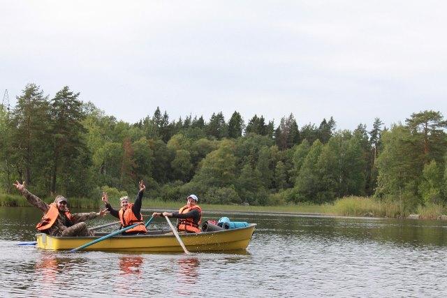 На фото лодка Пелла Фьорд в походе